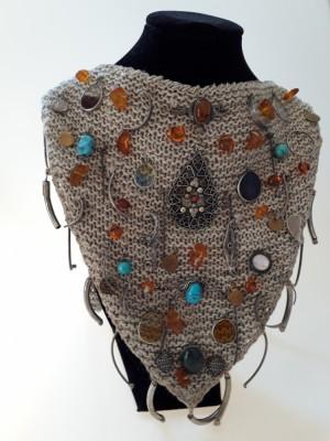 Naszyjnik  z lnu, srebra i kamieni